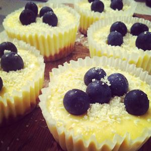 Mini Baked Lemon Cheesecakes