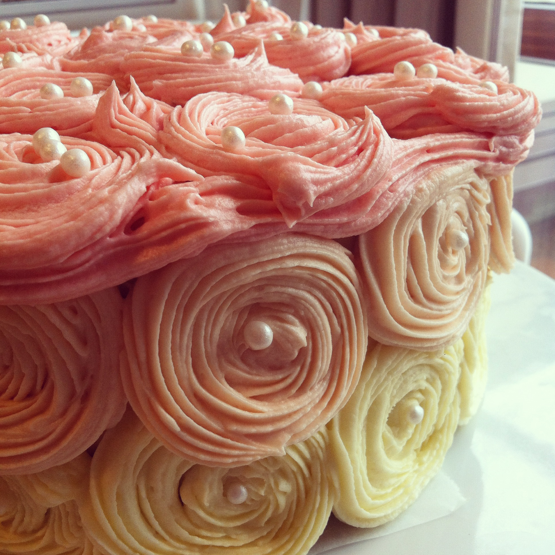 Different Ways To Decorate A Red Velvet Cake